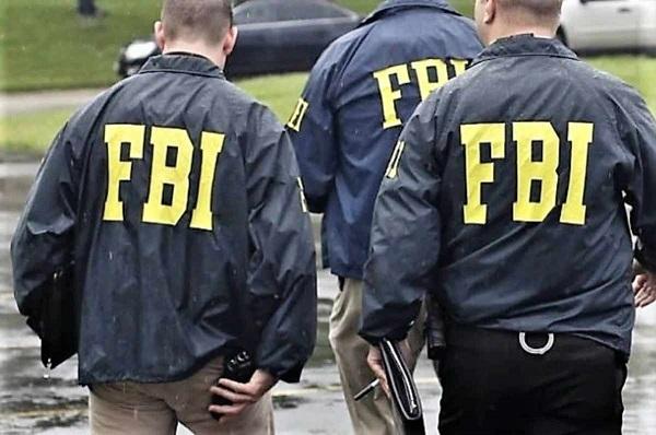 FBI BİNLERCE AĞIR SUÇLUYA ŞİFRELİ TELEFON KULLANMALARINI SAĞLADI