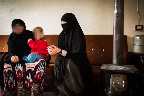 """IŞİD'E KATILAN LİSA: """"İZİN VERİN İSVEÇ'E, ÜLKEME DÖNEYİM"""""""