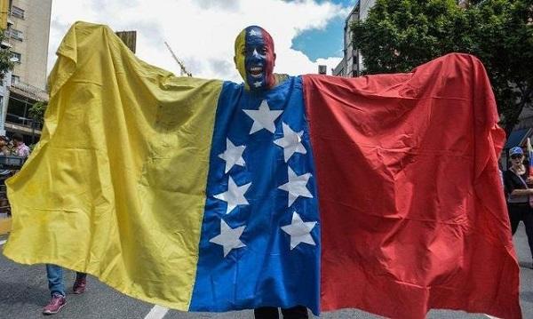 MADURO'YA AVRUPA'DAN DARBE