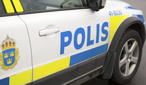 POLİS BABAANNENİN SÜTYENİNDE PATLAYICI FÜNYELER BULDU