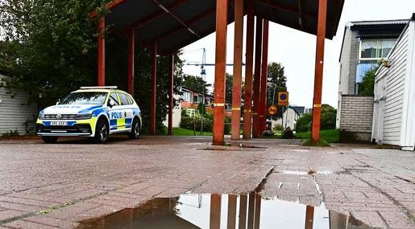 STOCKHOLM POLİSİ GİZLİ SİLAH DEPOLARI BULDU