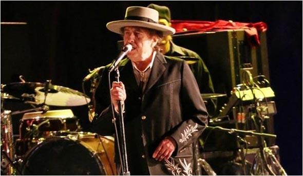 Bob Dylan, Somalı maden işçileri için söyledi