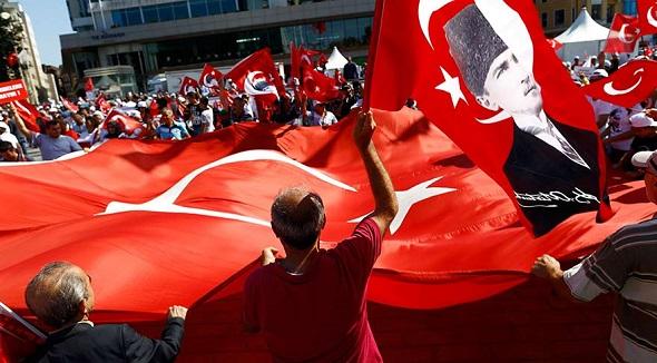 CHP'DEN TAKSİM'DE DEMOKRASİ MİTİNGİ