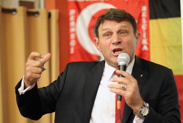 TÜRKER ERTÜRK KONFERNASLAR VERMEK ÜZERE YARIN İSVEÇ'E GELİYOR