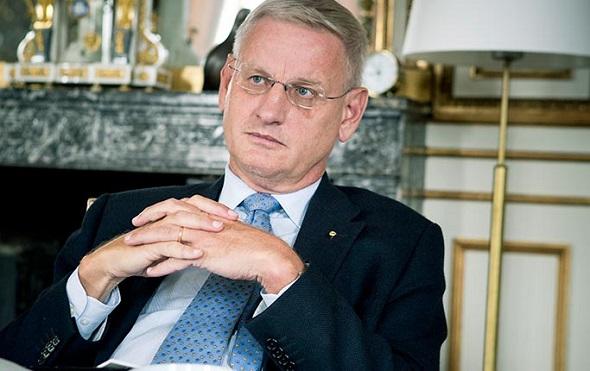 Carl Bildt, Afganlı bir genci ölümden kurtarmış