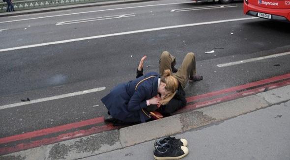 LONDRA'DA TERÖR SALDIRISI