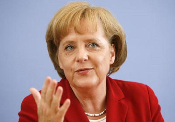 Merkel'den Çağrı:'İslam karşıtı gösterilerden uzak durun'