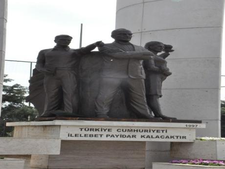 Atatürk heykelini kilosunu 20 liradan satacaklardı