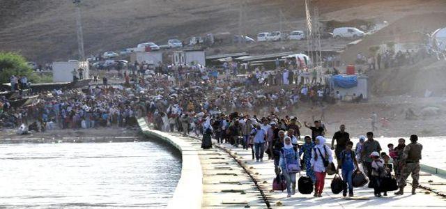 Suriyeli Kürtler iç savaştan Kuzey Irak'a kaçıyor