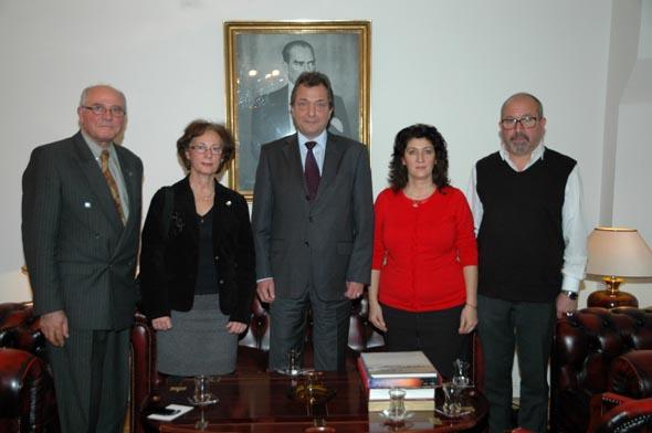 İsveç Atatürkçü Düşünce Derneği yeni elçimiz Kaya Türkmen'i ziyaret etti