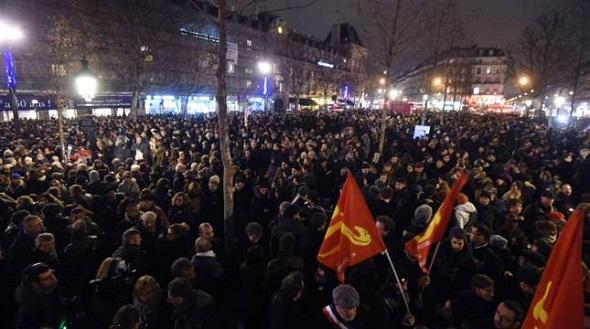 Paris'te  büyük üzüntü ve protesto