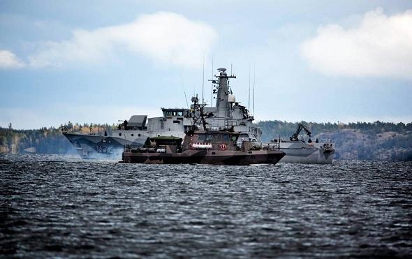 İsveç donanmasının 'Denizaltı avı' sürüyor