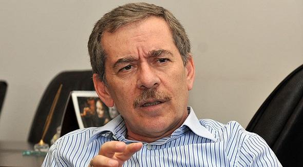 'AKP'nin içinde FETÖ'ye bulaşmayan tek kişi benim'