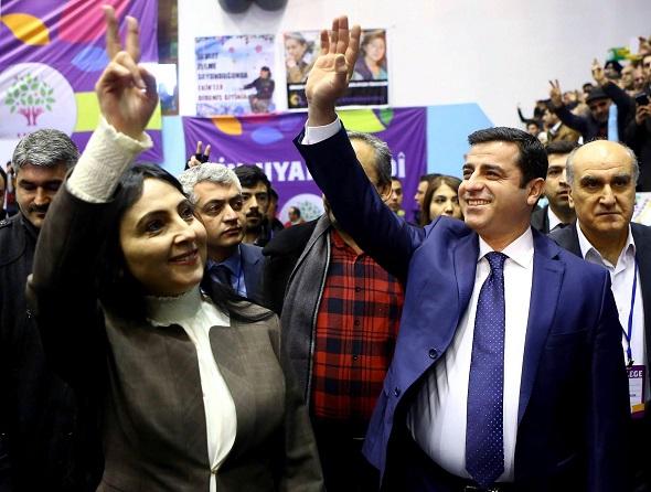HDP'Lİ MİLLETVEKİLLERE GÖZALTI