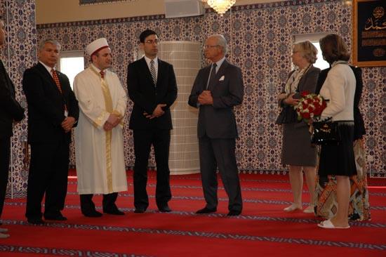 İsveç Kralından Anlamlı Ziyaret