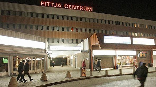 Fittja'da bir kişi araba içinde ölü bulundu