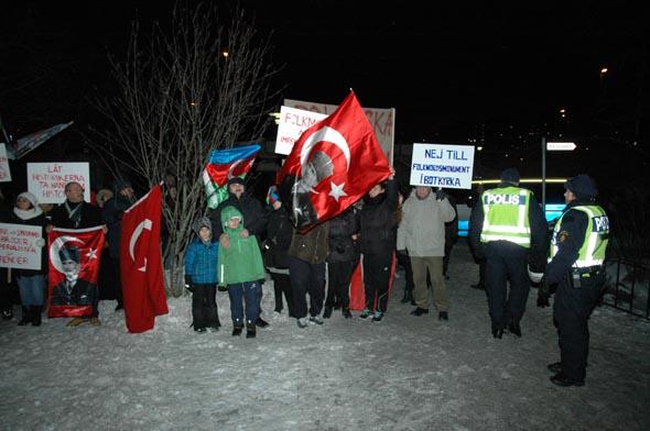 BOTKYRKA BELEDİYESİ'DEN  'SÖZDE SOYKIRIM ANITI' KARARI