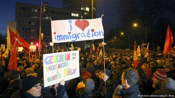 Almanya Pegida gösterilerine karşı