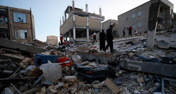 İRAN'DA ŞİDDETLİ DEPREM