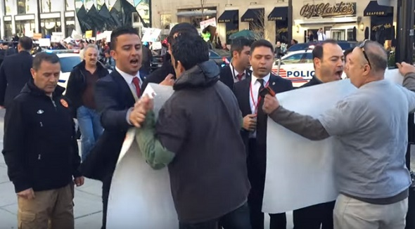 ERDOĞAN'A AMERİKA'DA PROTESTO