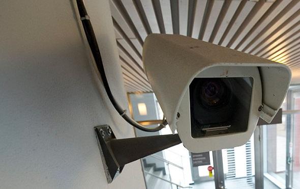 Polis Rinkeby ve Tensta merkezlerine kamera yerleştirmek istiyor