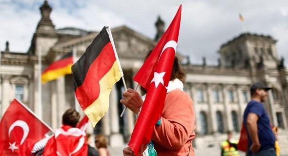 Köln'de 'Darbeye Karşı Demokrasi Mitingi'nde güvenlik endişesi