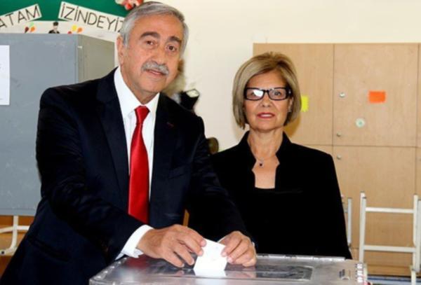 KKTC'de yeni cumhurbaşkanı Mustafa Akıncı
