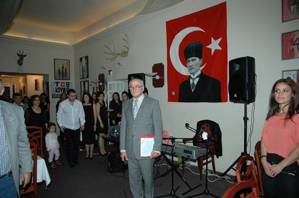 İsveç Atatürkçü Düşünce Derneği Cumhuriyeti'nin 90. yılını coşkuyla kutladı