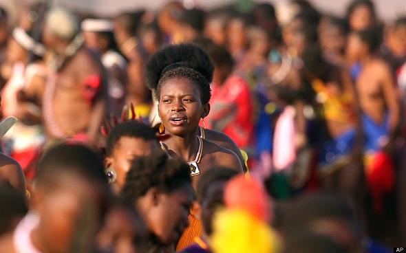 Swaziland Kralı genç kızlara bakireliklerini korumak şartıyla ayda 130 ödüyor