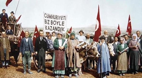 CUMHURİYETİ'MİZ 93 YAŞINDA