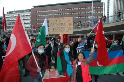 STOCKHOLM'DA ERMENİSTAN SALDIRGANLIĞI PROTESTO EDİLDİ