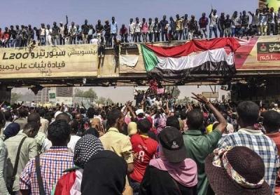 SUDAN DEVLET BAŞKANI ÖMER EL BEŞİR GÖREVİNİ BIRAKTI